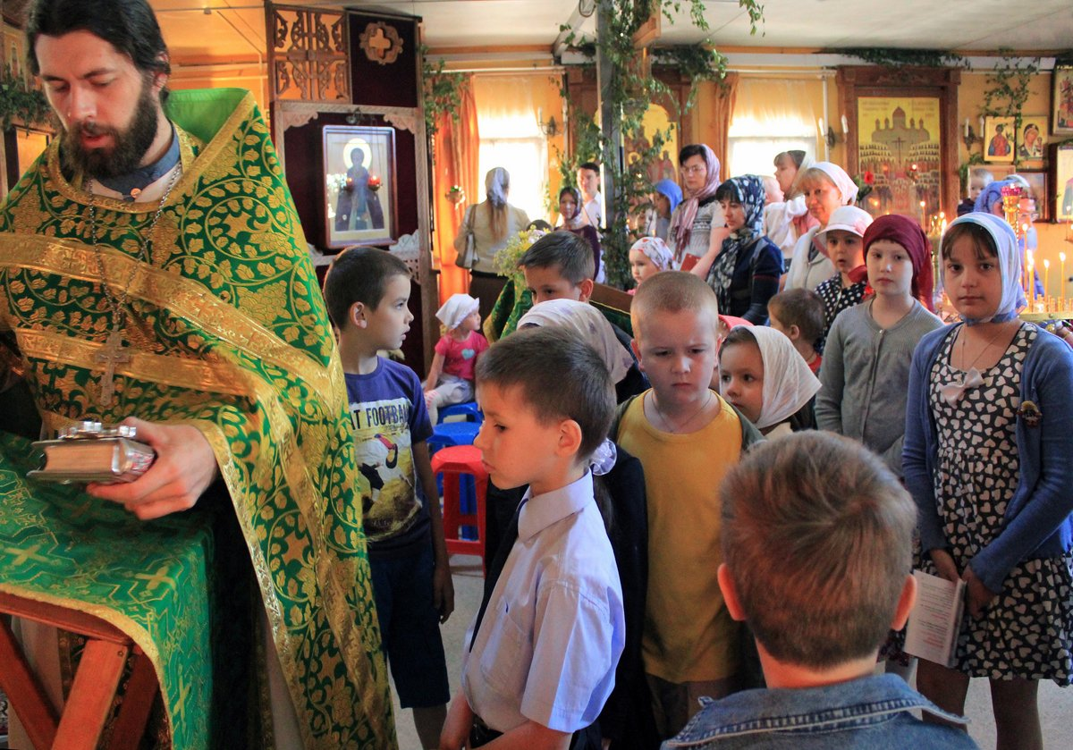http://www.newmartyros.ru/sites/default/files/Foto_news/Detskaya_Liturgia/2014/06_12/img_5081.jpg