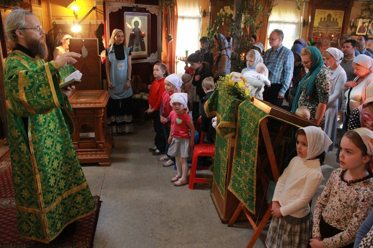 http://www.newmartyros.ru/sites/default/files/Foto_news/Detskaya_Liturgia/2014/06_12/img_5307.jpg