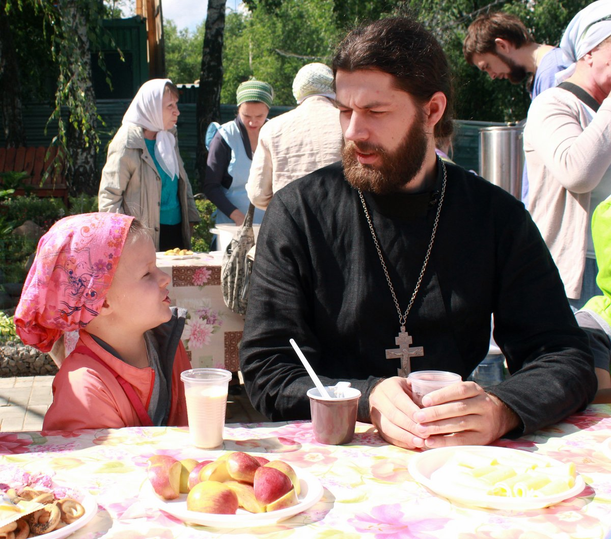 http://www.newmartyros.ru/sites/default/files/Foto_news/Detskaya_Liturgia/2014/06_12/img_5679.jpg